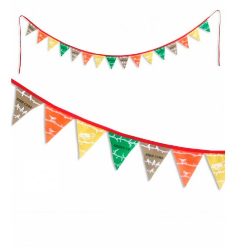 Flag garland garden disponible en: www.happyeureka.com