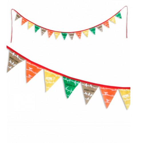 Guirnalda de banderas - El jardín disponible en: www.happyeureka.com